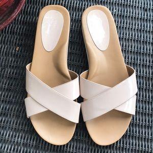 Jessica Simpson Light Tan Slides, size 9…